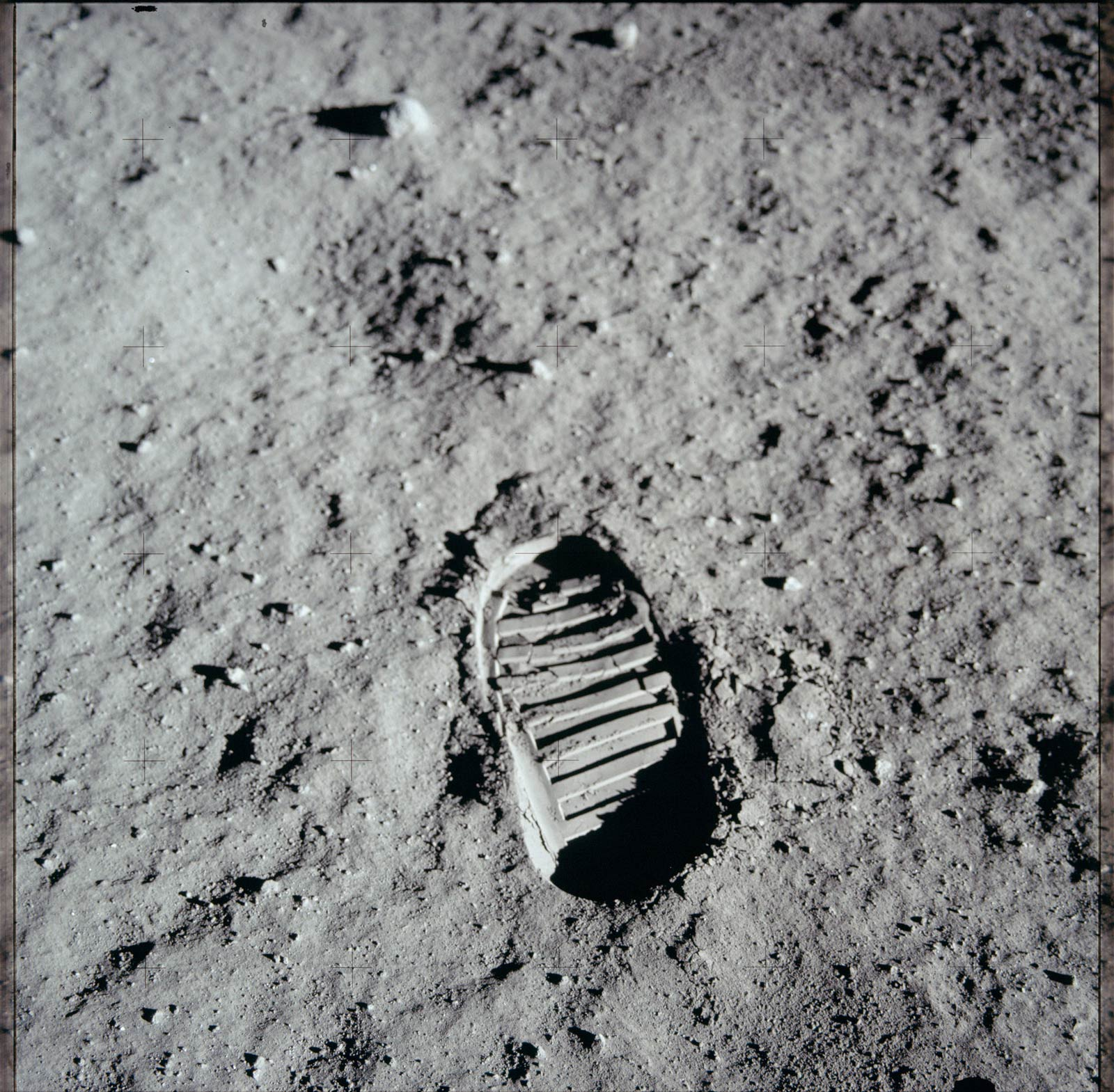 footprint-on-the-moon