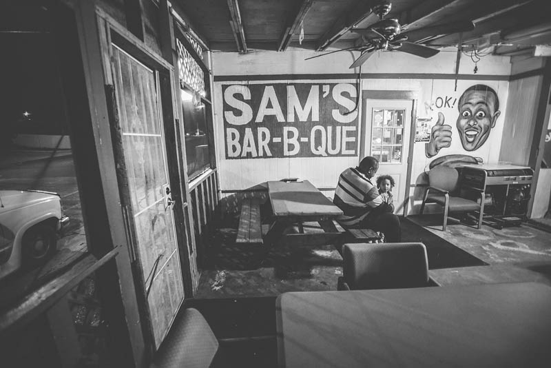 sams-bbq-patio
