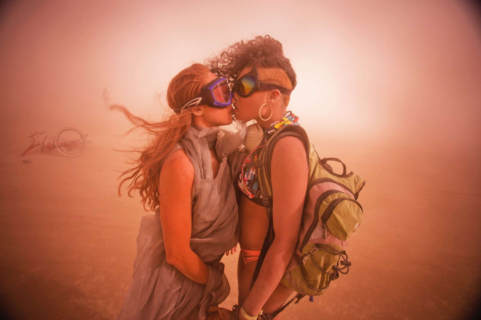 Burning-Man-2015-136;-Playa-Dust-Storm-Jessica-Sophia-Kiss
