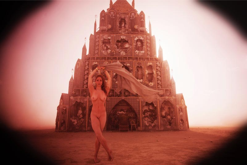 Burning-Man-2015-147;-Playa-Dust-Storm-Totem-Of-Confessions-Jessica-Naked-Sunset-Silhouette