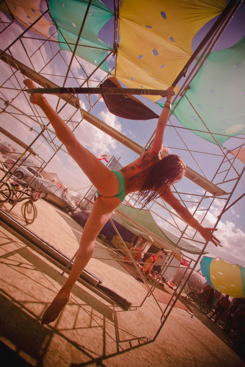 Burning-Man-2015-203;-Marissa-Swing-City-Acrobatics-Naked