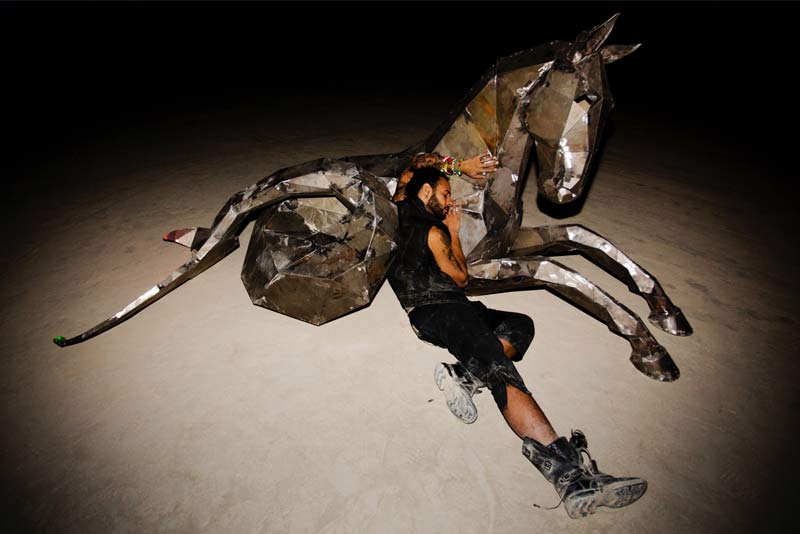 Burning-Man-2015-41;-Cesar-Madelena-The-Mer-Pony