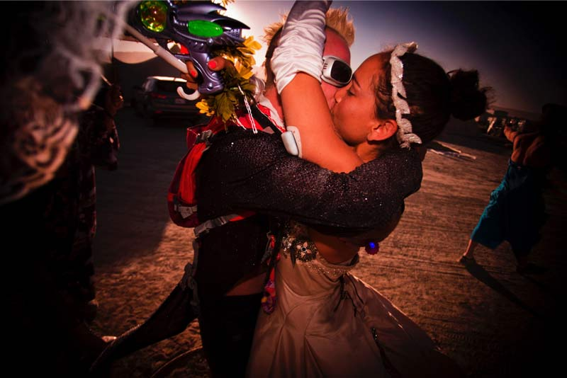 Burning-Man-2015-80;-Robin-Stephan's-Wedding-Kiss