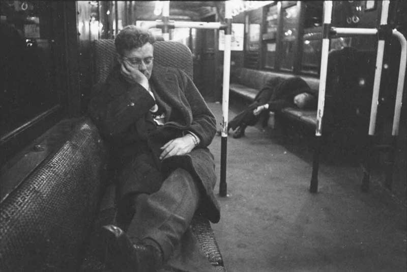 Stanley-Kubrick-Sleeping-Photos